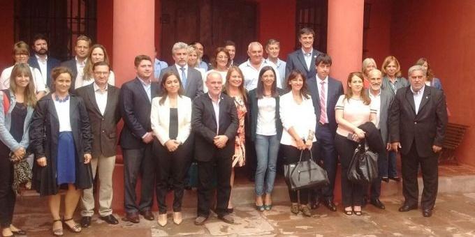Farias y los Ministros de Educación del País debaten en Salta las principales políticas educativas