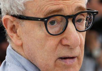 """Woody Allen negó abusos a su hija y condenó """"cinismo"""" de la familia Farrow"""