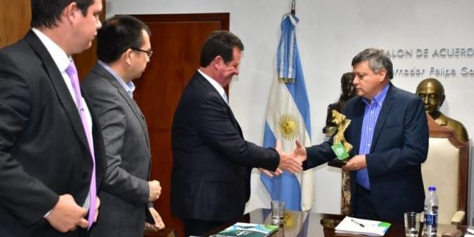 Encuentro binacional para el fortalecimiento comercial y diplomático con Paraguay