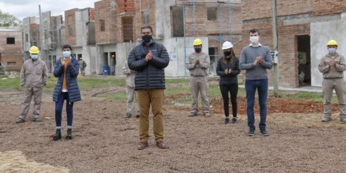 """Chaco adhirió al Programa """"Reconstruir"""" que reactivará la obra de viviendas paralizadas desde 2016"""
