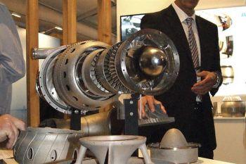Presentan el primer motor de avión fabricado con una impresora 3D