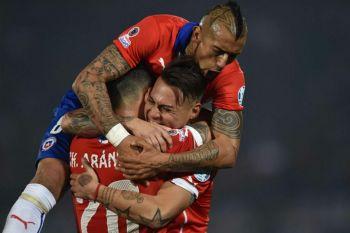 Con un golazo y un hombre más, Chile venció 2-1 a Perú y es finalista de la Copa América