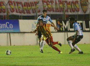 Boca Unidos visita a Talleres de Córdoba