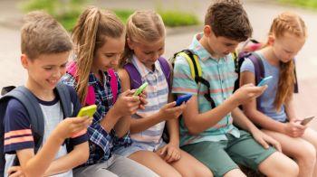 Google lanza Family Link, una app para administrar el uso del celular de los hijos