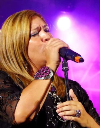 Lorena Larrea brindará un homenaje su madre la cantante Lidia Catterino en el Teatro Vera