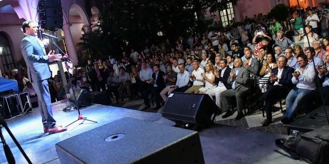 Valdés lanzó Momo 2020 y anunció mejoras en infraestructura y participación de comparsas del interior