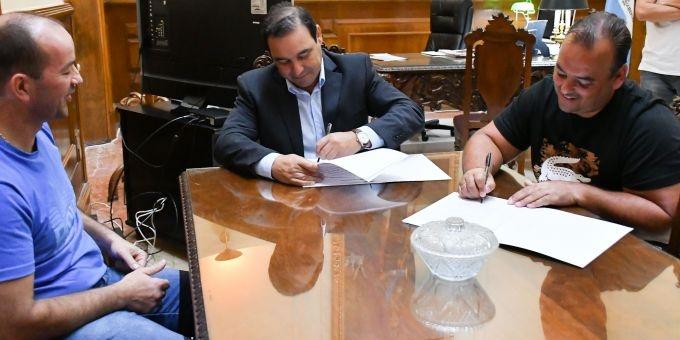 El Gobernador otorgó beneficios a empresas, en pos de impulsar inversiones para la provincia