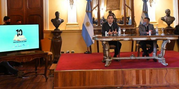 """Valdés destacó la articulación que """"el libro tendrá con la tecnología"""" en la 10º Feria Provincial"""
