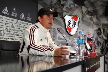 """Gallardo criticó la inacción dirigencial en el fútbol: """"No nos podemos quedar parados"""""""