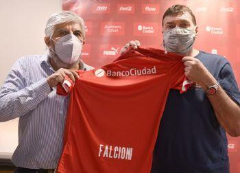 Independiente: firmó Julio César Falcioni y dirigió la primera práctica