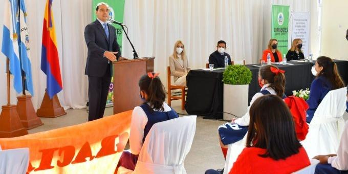 Valdés inauguró un nuevo Colegio Secundario en Curuzú Cuatiá
