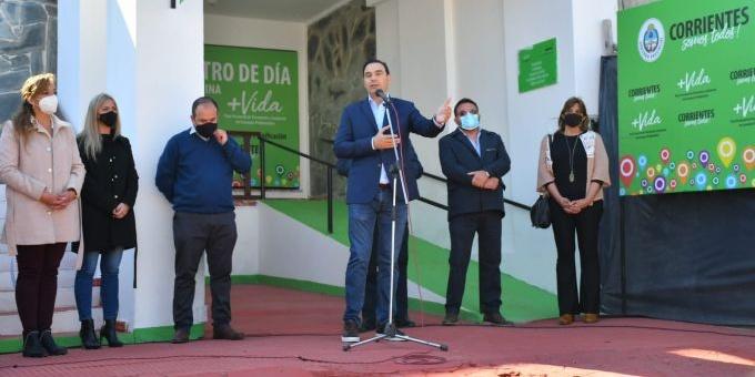 """Esquina: Valdés inauguró refacciones en el Club San Martín y habilitó el Centro de Día """"Más Vida"""""""